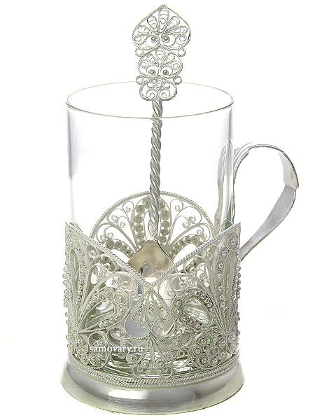 Набор для чая (подстаканник) Заря на 1 персону, Казаковская филиграньАжурный набор из посеребренного подстаканника, чайной ложки и термостойкого стакана.&#13;<br>Упакован в стильную дизайнерскую коробку.<br>