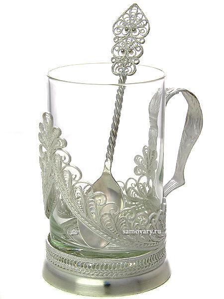 Чайный набор Айсберг Казаковская филиграньАжурный набор из посеребренного подстаканника, чайной ложки и термостойкого стакана.&#13;<br>Упакован в стильную дизайнерскую коробку.<br>