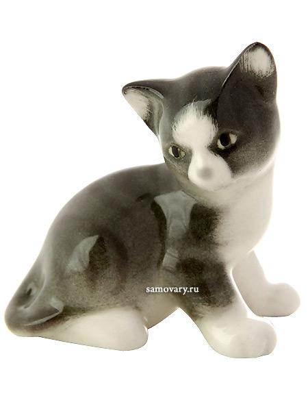 Скульптура Котенок Парамоша серый, Императорский фарфоровый заводФарфоровая сувенирная фигурка животного.<br>
