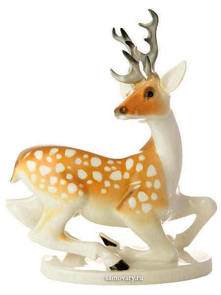 Скульптура Лань с рогами, Императорский фарфоровый заводФарфоровая сувенирная фигурка животного.<br>