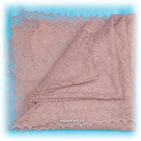 Оренбургский пуховый платок Магнолия, арт. А 140-06Ажурный платок.&#13;<br>Размер - 140х140 см.&#13;<br>Состав: пух козий – 64%, вискоза – 36%.<br>