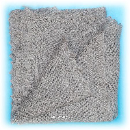 Пуховый оренбургский платок серый, арт. П4-100-03Оренбургский платок пуховый, цвет - серый.<br>Размер - 100х100 см.<br>Состав: пух – 40%, ПАН – 30%, ПА - 30%<br>
