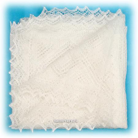 Пуховый оренбургский платок, паутинка экрю, арт. А100-02Платок ажурный, цвет - экрю.&#13;<br>Размер - 100х100 см.&#13;<br>Состав: пух козий – 78%, вискоза – 22%.<br>