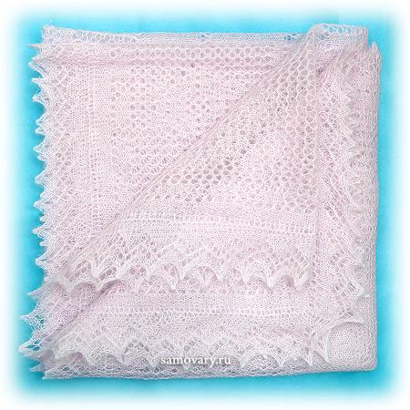 Пуховый оренбургский платок, паутинка сиреневая, арт. А 110-05Ажурный платок, цвет - сиреневый.&#13;<br>Размер - 110х110 см.&#13;<br>Состав: пух козий – 64%, вискоза – 36%.<br>