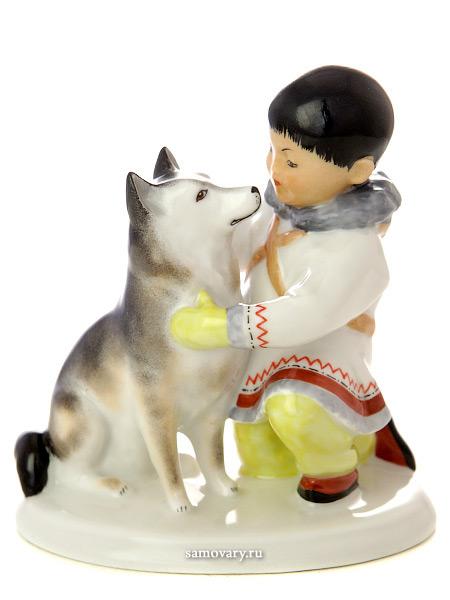 Скульптура фарфоровая Якут с собакой, Императорский фарфоровый заводФарфоровая сувенирная фигурка.<br>