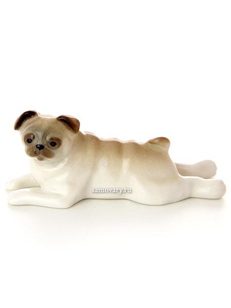 Скульптура Мопс лежащий, Императорский фарфоровый заводФарфоровая сувенирная фигурка животного.<br>