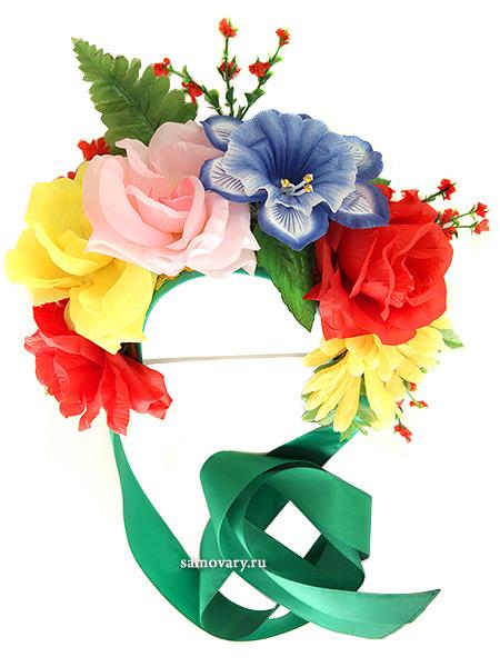 Ободок-венокКрасивый яркий ободок с цветами и разноцветными атласными лентами.<br>