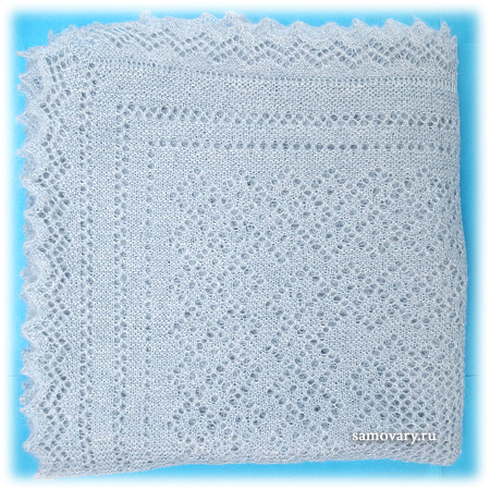 Оренбургский пуховый платок голубой, арт. П3-130-04Оренбургский платок пуховый, цвет - голубой.&#13;<br>Размер - 130х130 см.&#13;<br>Состав: пух – 50%, ПА – 50%.<br>