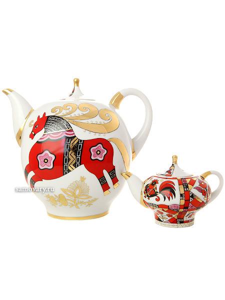 Комплект чайников форма Новгородский, рисунок Красный конь, Императорский фарфоровый заводНабор из двух фарфоровых чайников.&#13;<br>Объем - 2450 мл и 250 мл.<br>