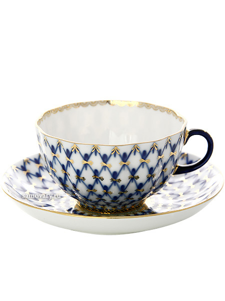 Фарфоровый чайный сервиз на 6 персон форма Тюльпан, рисунок Кобальтовая сетка 6/20, Императорский фарфоровый заводСервиз чайный из 20 предметов: 6 чайных пар, чайник заварочный, сахарница и 6 десертных тарелок.<br>