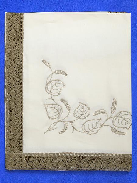 Льняная скатерть «Березка» светло-серая прямоугольная с темной кружевной вышивкой (Вологодское кружево), арт. 11ст-326, 180х150Скатерть с Вологодским кружевом.<br>Размер - 180*150 см.<br>