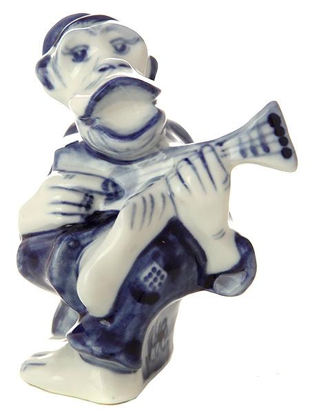 Скульптура Обезьянка-дед, ГжельСкульптура керамическая с художественной росписью.<br>Символ наступающего 2016 года.<br>