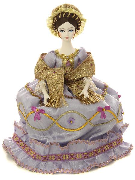 Кукла на чайник самоварная Мария в сиреневомКукла тряпичная декоративная на заварочный чайник.<br>