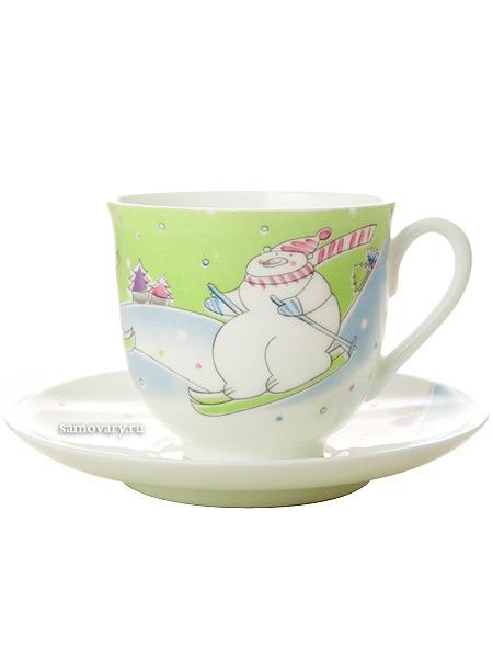 Кофейная чашка с блюдцем форма Ландыш, рисунок Лыжники, Императорский фарфоровый заводФарфоровая кофейная пара из серии Зимние каникулы.<br>Объем чашки - 180 мл.<br>