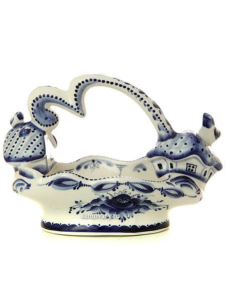 Ваза для конфет с ручкой Деревенька с художественной росписью ГжельКерамическая ваза с ручной росписью.<br>