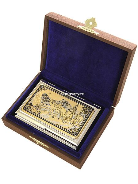 Визитница позолоченная с гравюрой Волки в горах с ручкой в подарочном футляре, ЗлатоустВизитница сувенирная позолоченная в комплекте с ручкой.<br>Упакована в стильную дизайнерскую коробку.<br>Ручная работа....<br>