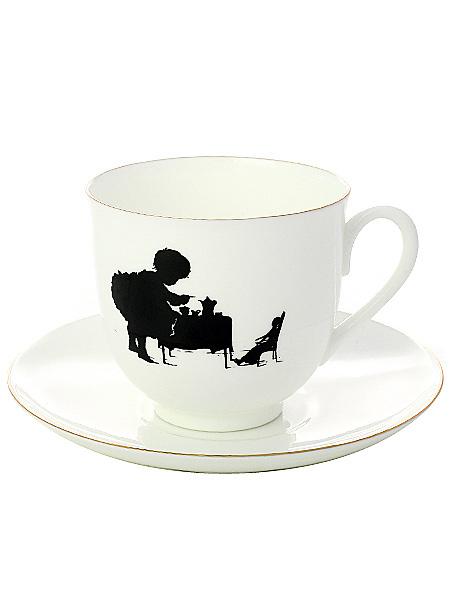 Кофейная чашка с блюдцем форма Ландыш, рисунок Чаепитие, серия Силуэты, Императорский фарфоровый заводФарфоровая кофейная пара.<br>Серия Силуэты.<br>Объем чашки - 180 мл.<br>