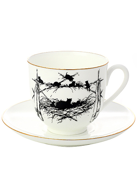 Кофейная чашка с блюдцем форма