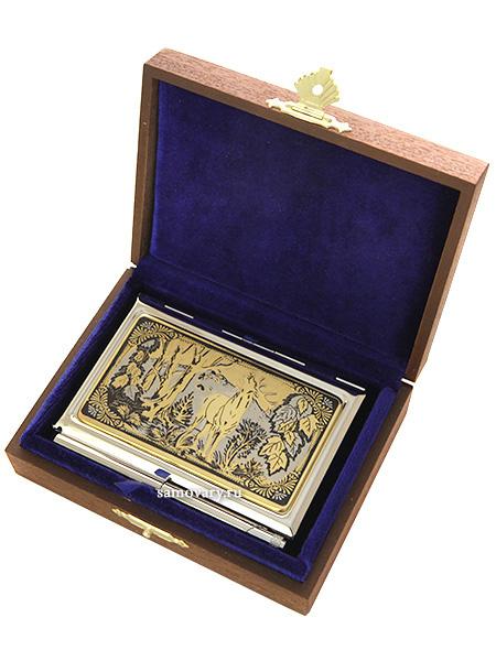 Визитница позолоченная с гравюрой Олень с ручкой в подарочном футляре, ЗлатоустВизитница сувенирная позолоченная в комлекте с ручкой.&#13;<br>Упакована в стильную дизайнерскую коробку.&#13;<br>Ручная работа.<br>