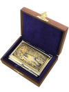 Визитница позолоченная с гравюрой Рысь с ручкой в подарочном футляре, ЗлатоустВизитница сувенирная позолоченная в комлекте с ручкой.&#13;<br>Упакована в стильную дизайнерскую коробку.&#13;<br>Ручная работа.<br>