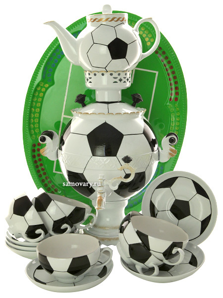 Набор самовар электрический 3 литра с художественной росписью Футбол с чайным сервизом, арт. 130415сСамовары электрические<br>Комплект из 9 предметов:латунный самовар, металлический поднос, заварочный чайник и 6 чайных пар.<br>