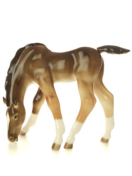 Скульптура Жеребенок пасущийся гнедой, Императорский фарфоровый заводФарфоровая сувенирная фигурка животного.<br>