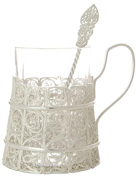 Набор для чая Бадейка на 1 персону, Казаковская филиграньАжурный набор из посеребренного подстаканника, чайной ложки и термостойкого стакана.&#13;<br>Упакован в стильную дизайнерскую коробку.<br>