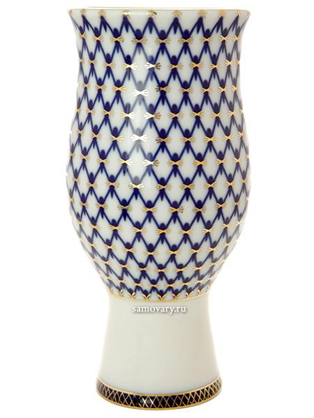 Фарфоровая ваза для цветов форма Цветок, рисунок Кобальтовая сетка, Императорский фарфоровый заводФарфоровая ваза для цветов.<br>