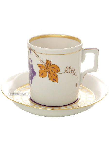 Сервиз чайный форма Гербовая, рисунок Гроздь 6/20, Императорский фарфоровый заводСервиз чайный из 20 предметов: 6 чайных пар, чайник заварочный, сахарница и 6 десертных тарелок.<br>