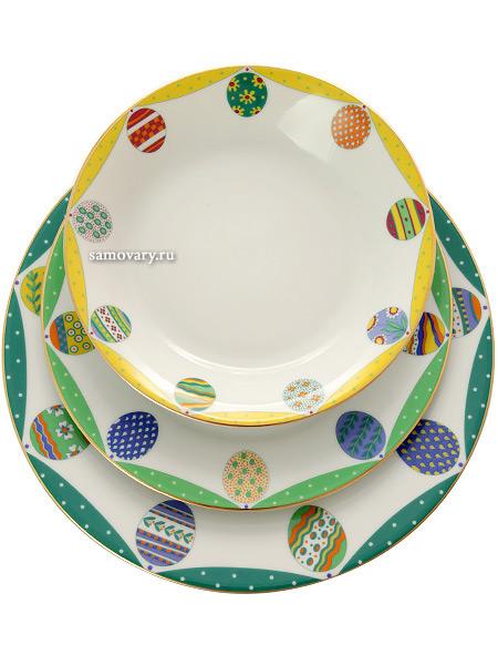 Комплект тарелок форма Европейская, рисунок Пасхальная трапеза.Изумруд, Императорский фарфоровый заводНабор из трех тарелок<br>