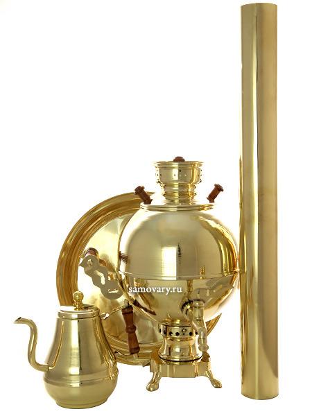 Набор с угольным самоваром на 5 литров Чаепитие-шар латунный, Москва арт. 210514Подарочный комплект: угольный самовар шар на 5 литров, поднос, заварочный чайник и труба.&#13;<br>Набор изготовлен из латуни.<br>